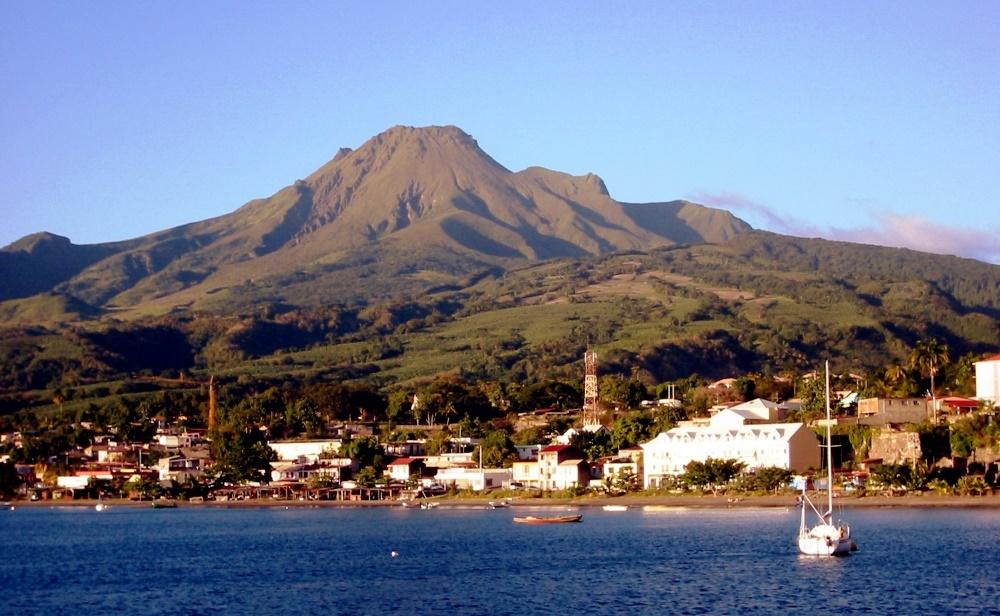 Карибы, вулкан Мон-Пеле