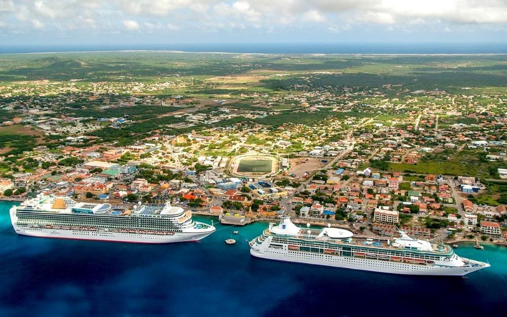 Остров Бонэйр - столица и город порт Кралендейк