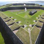 руины возведенной в 1790 году крепости Форт-Джордж