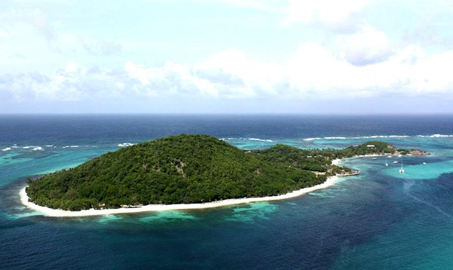 Остров Петит Мартиника