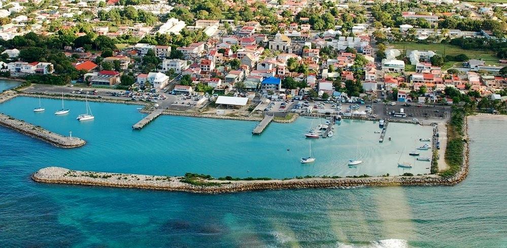 Гран-Бур - столица острова Мари-Галант